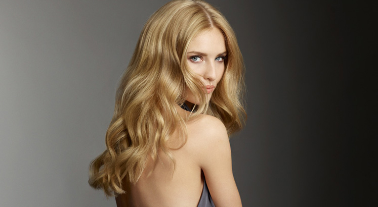 SEVEN TOP TIPS TO ACHIEVE HEALTHY, HYDRATED SUMMER HAIR